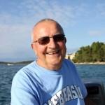 G. Silvo nas vozi na svom čamcu