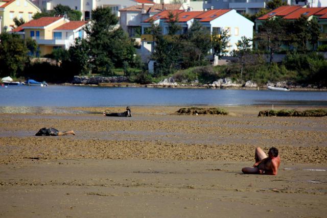 Sunčanje u blatu - Uvala Soline